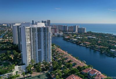21050 NE Point Pl   306 Aventura FL 33180