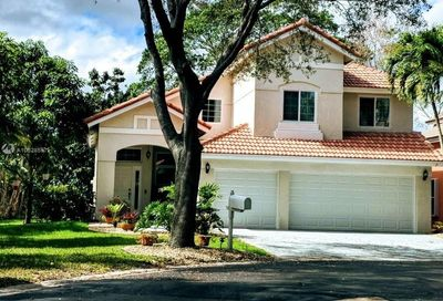 8402 NW 57th Dr Coral Springs FL 33067