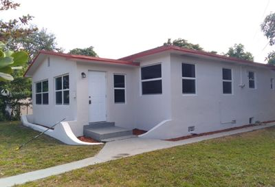 532 NE 132nd St North Miami FL 33161