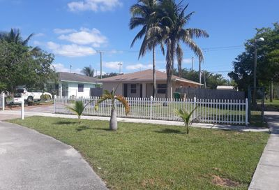 7605 NW 32nd Pl Davie FL 33024