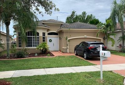 19454 67th St Pembroke Pines FL 33332