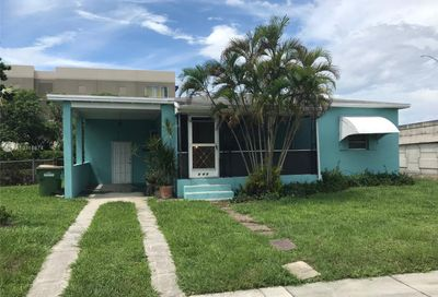 645 NW 132nd St North Miami FL 33168