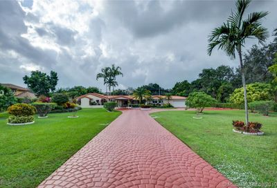 10750 SW 67th Ave Pinecrest FL 33156