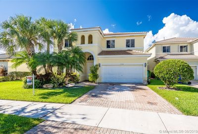 19436 65th St Pembroke Pines FL 33332