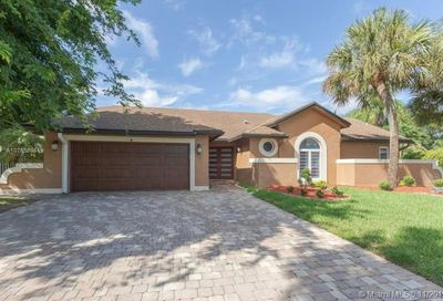 5058 NW 51st Ave Coconut Creek FL 33073