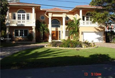 628 N Island Golden Beach FL 33160