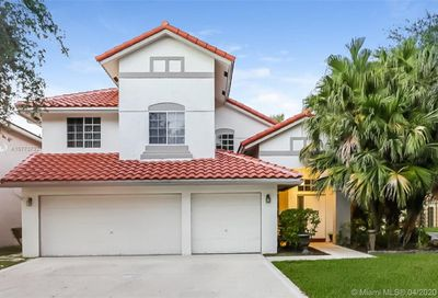 8341 NW 57th Dr Coral Springs FL 33067
