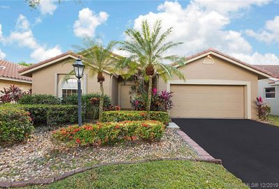 10344 NW 48th Ct Coral Springs FL 33076