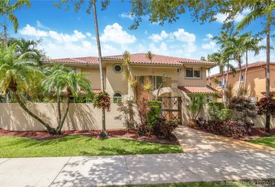 8355 NW 158th Ter Miami Lakes FL 33016