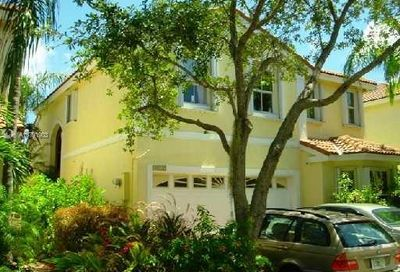 1115 Queen Palm Ct Hollywood FL 33019