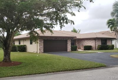674 NW 111th Way Coral Springs FL 33071