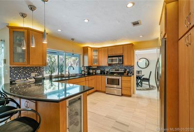 3160 NW 114th Ter Coral Springs FL 33065