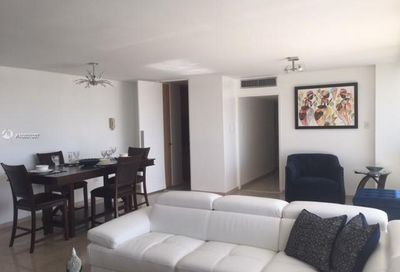 3307 Ave. Isla Verde Other Country - Not In Usa PR 00979