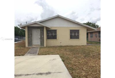 692 NW 12th St Florida City FL 33034