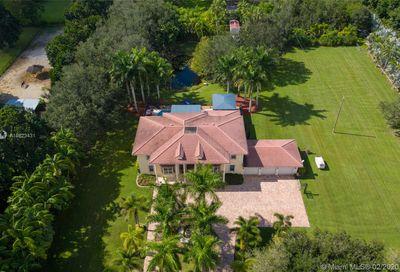 5400 SW 182nd Ter Southwest Ranches FL 33331