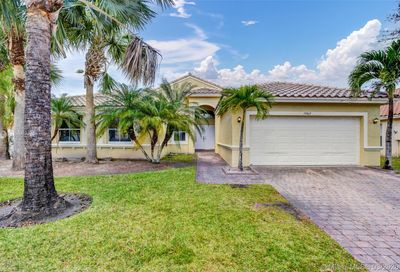 19065 7th St Pembroke Pines FL 33029