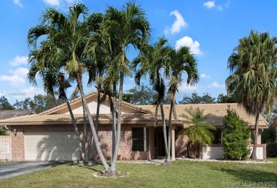 10965 NW 7th St Coral Springs FL 33071