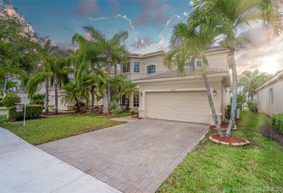 19407 65th St Pembroke Pines FL 33332