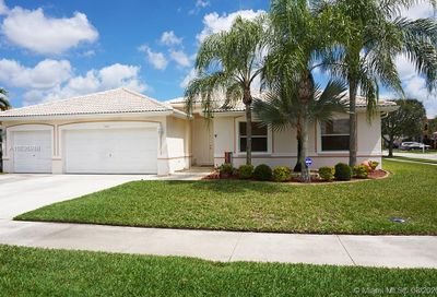 5607 NW 109th Way Coral Springs FL 33076