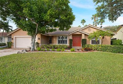 4972 NW 105th Dr Coral Springs FL 33076