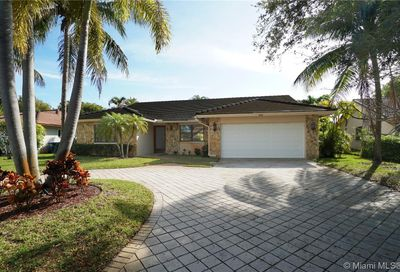 633 NW 113th Ter Coral Springs FL 33071