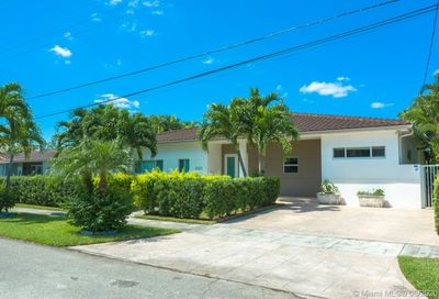 21100 NE 25th Ct Miami FL 33180
