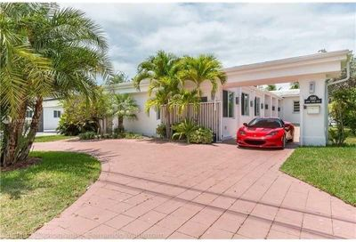 595 N Shore Dr Miami Beach FL 33141