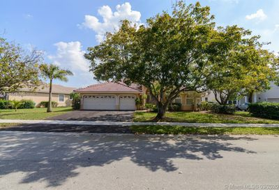 4917  Kensington Cir Coral Springs FL 33076