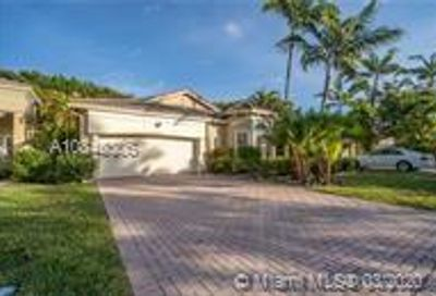 5860 NW 120th Ave Coral Springs FL 33076
