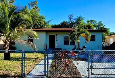 820 145th St North Miami FL 33161