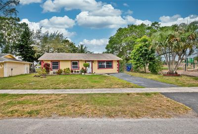 461 SW 83rd Ave North Lauderdale FL 33068