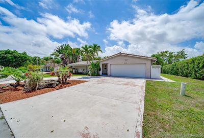 8340 38th Ct Coral Springs FL 33065