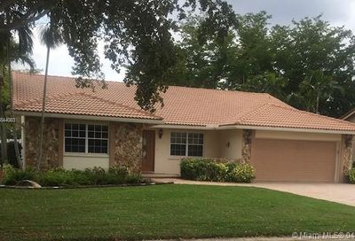 453 NW 108th Ave Coral Springs FL 33071