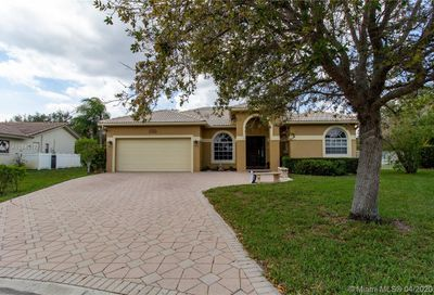 2162 NW 116th Ter Coral Springs FL 33071