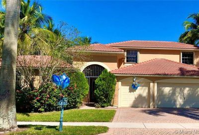 2486 Eagle Run Dr Weston FL 33327