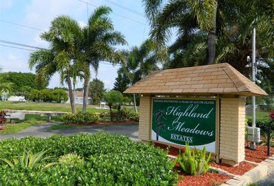 137 NW 51st Ct Deerfield Beach FL 33064