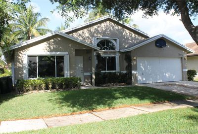 5833 NW 40th Ave Coconut Creek FL 33073