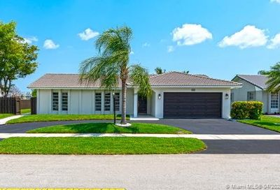 3761 N 55th Ave Hollywood FL 33021