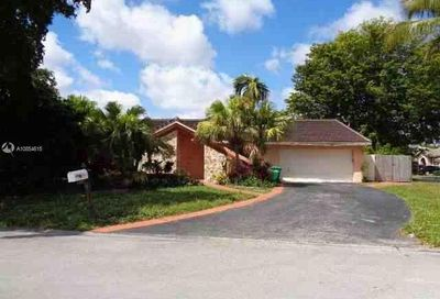4366 NW 88th Ter Coral Springs FL 33065