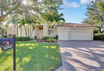 5009 NW 112th Dr Coral Springs FL 33076