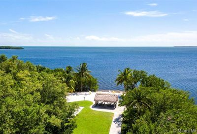 6020 Paradise Point Dr Palmetto Bay FL 33157