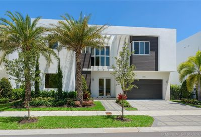 10051 NW 75th Ter Doral FL 33178