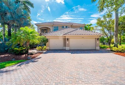 6588 NW 109th Ave Parkland FL 33076