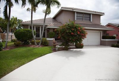 5107 NW 58th Ter Coral Springs FL 33067