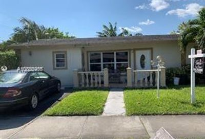 200 NE 17th Ct Pompano Beach FL 33060
