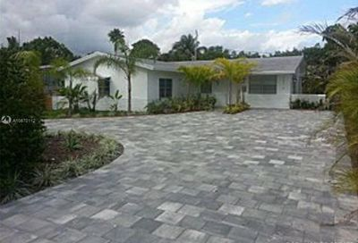 1575 NE 38th St Oakland Park FL 33334