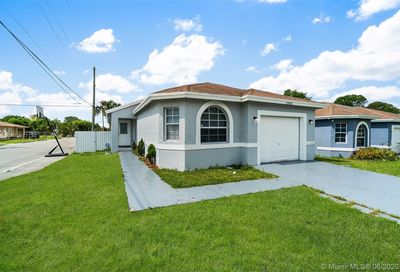2900 NW 7th Ct Fort Lauderdale FL 33311