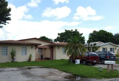 2411 SW 58th Mnr Dania Beach FL 33312