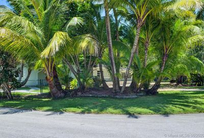 10500 SW 72nd Ave Pinecrest FL 33156