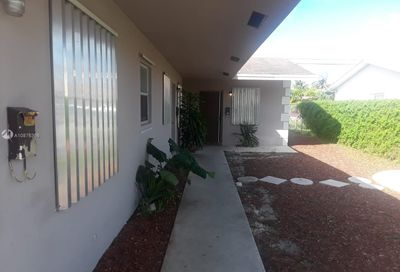 221 NE 40th St Oakland Park FL 33334